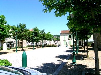 st_colombe_place_de_la_mairie